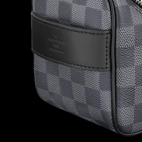 Louis Vuitton DAMIER GRAPHITE Louis Vuitton TOILETRY POUCH