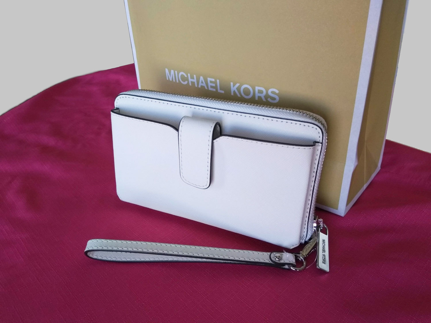 Michael Kors MICHAEL KORS MD ZA PHONE HOLDER WALLET